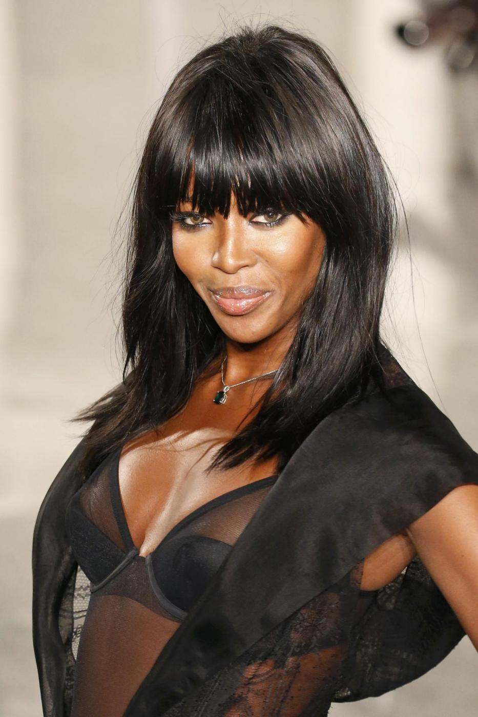 Naomi Campbell, a 45 anni posa in topless FOTO