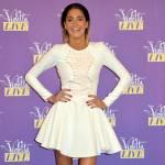 Violetta sbarca in Italia per il suo tour: fan in delirio FOTO