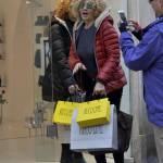 Eva Grimaldi e Roberta Garzia shopping insieme02