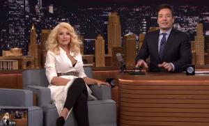 VIDEO YouTube: Christina Aguilera imita alla perfezione Shakira e Britney Spears