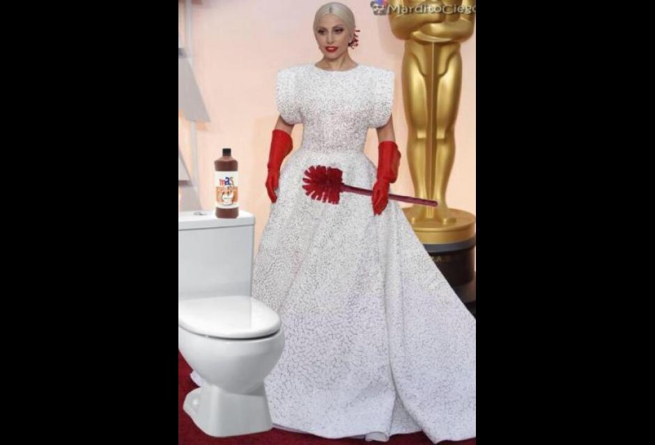 """Oscar, Lady Gaga derisa per vestito: """"Venuta a pulire bagni?"""" 5"""