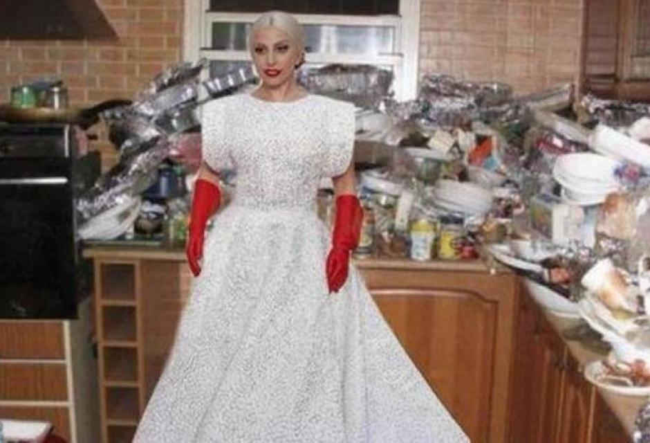 """Oscar, Lady Gaga derisa per vestito: """"Venuta a pulire bagni?"""" 6"""