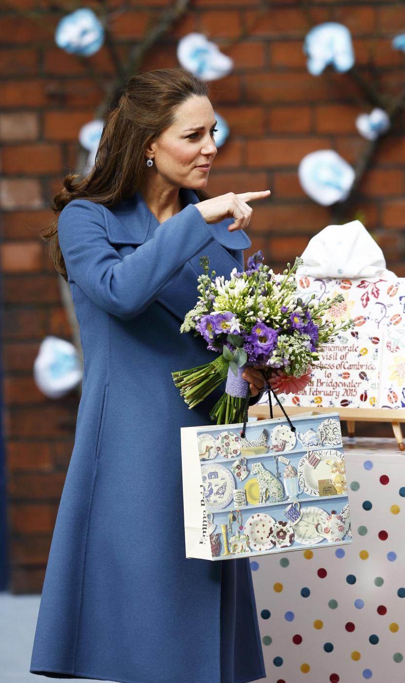 Kate Middleton, visita per beneficenza dopo il viaggio ai Caraibi 07