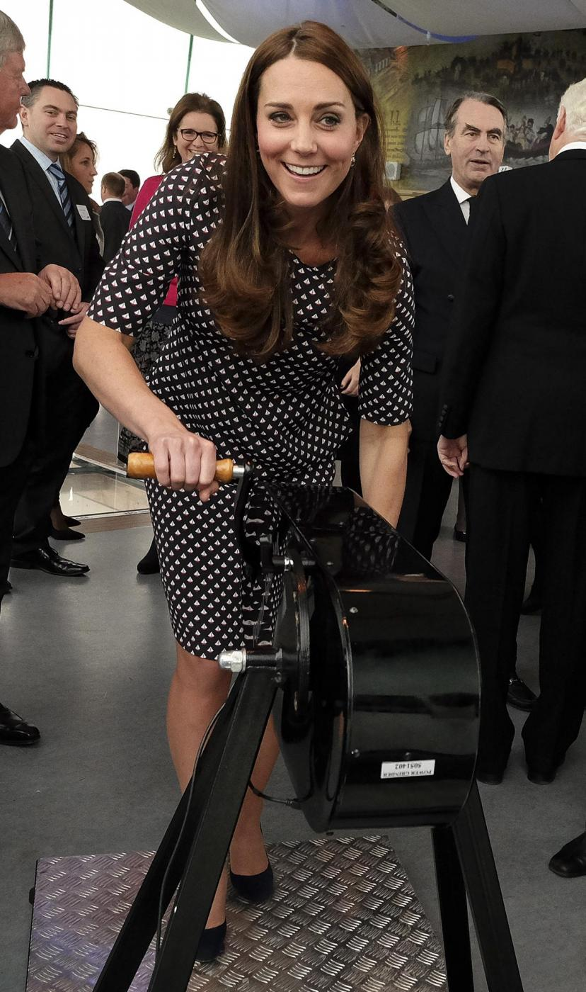 Kate Middleton torna dai Caraibi abbronzata e con un bel pancione 13