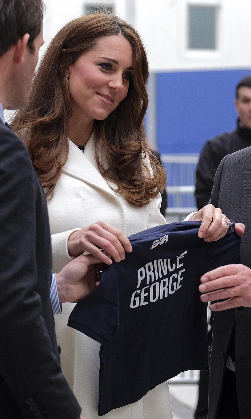 Kate Middleton torna dai Caraibi abbronzata e con un bel pancione 11