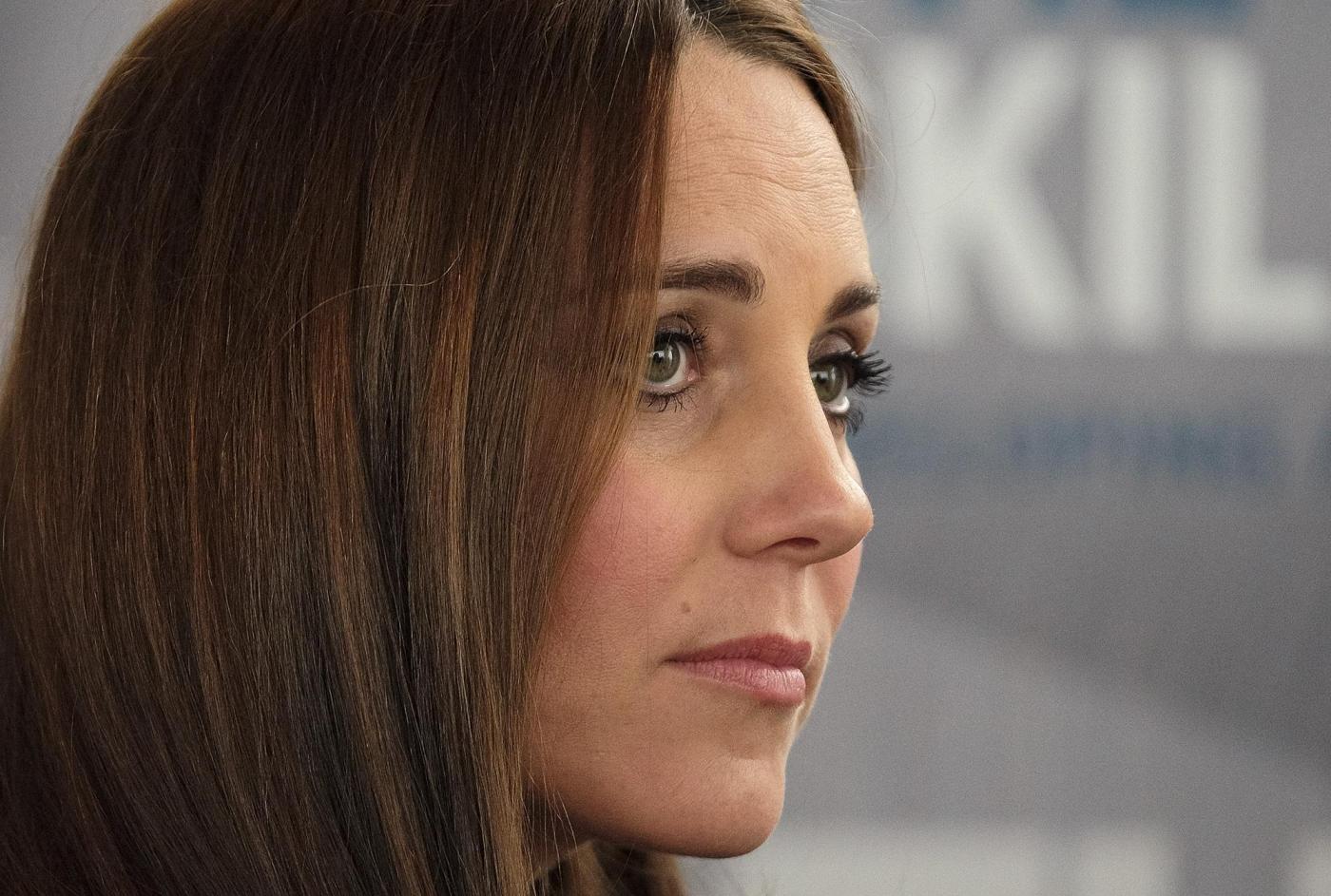 "Kate Middleton, gossip: ""Regina arrabbiata con lei perché..."""