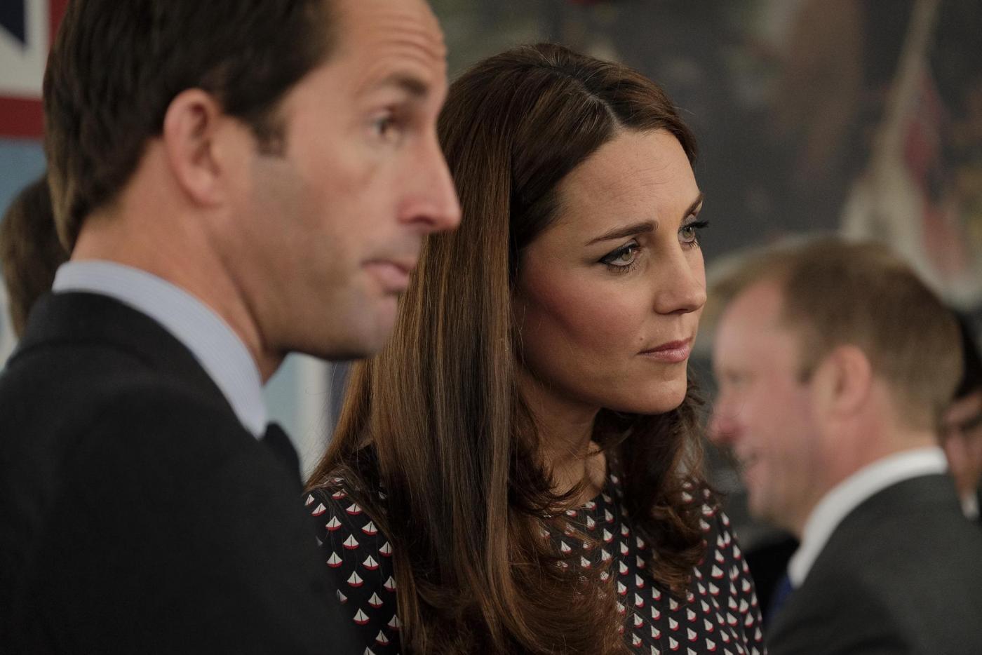 Kate Middleton torna dai Caraibi abbronzata e con un bel pancione 03