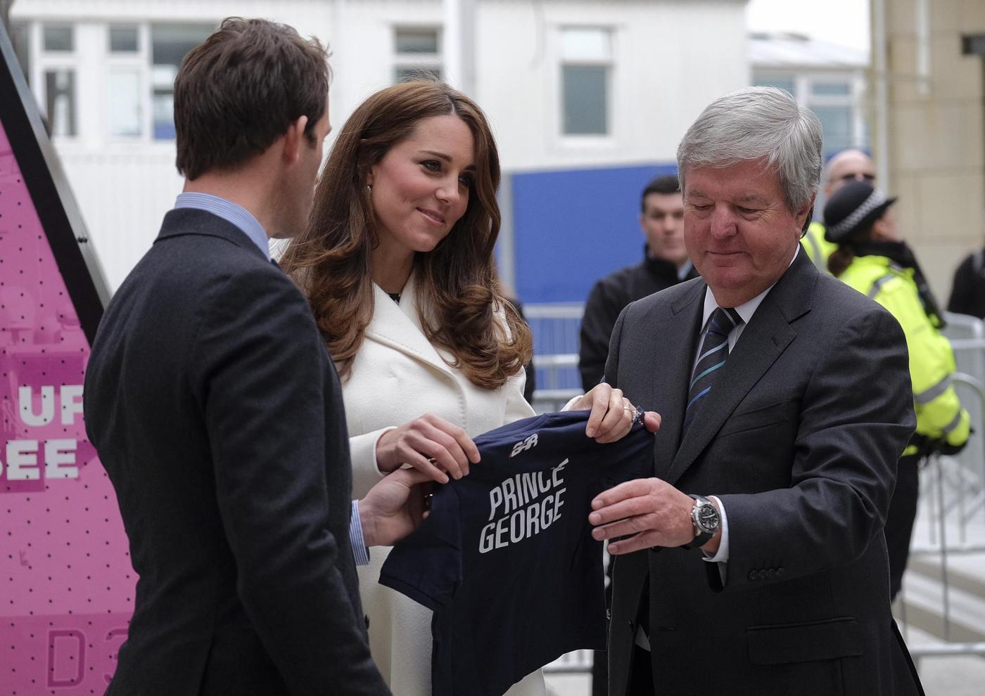 Kate Middleton torna dai Caraibi abbronzata e con un bel pancione 21