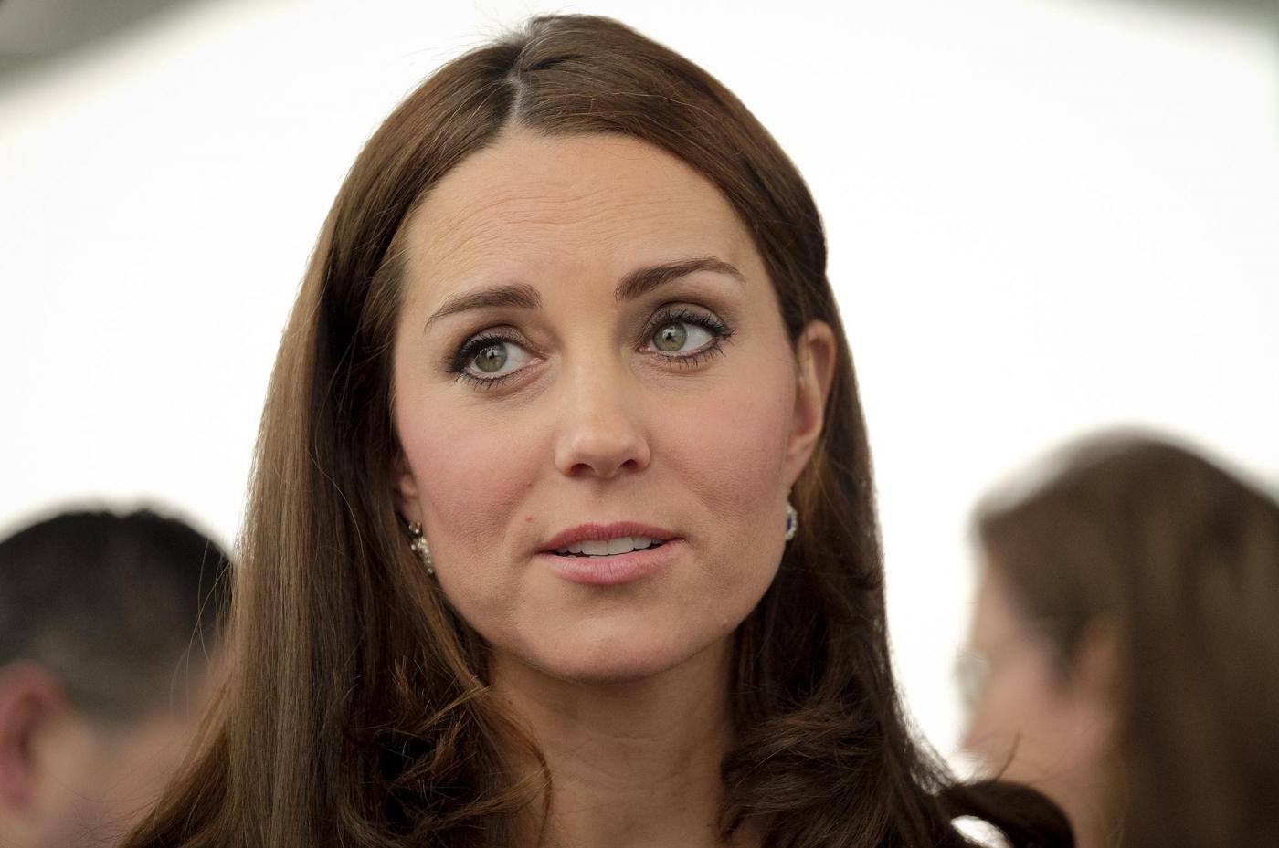 Kate Middleton torna dai Caraibi abbronzata e con un bel pancione 7
