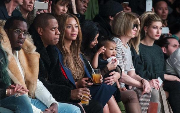 Kanye West presenta collezione Adidas12