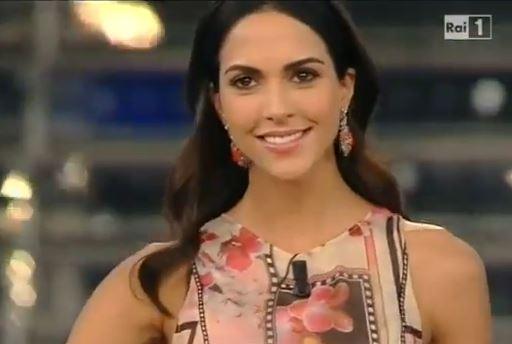 Sanremo, Rocio Munoz Morales versione floreale quarta puntata VIDEO