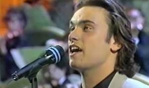 Nek irriconoscibile a Sanremo 1993 VIDEO
