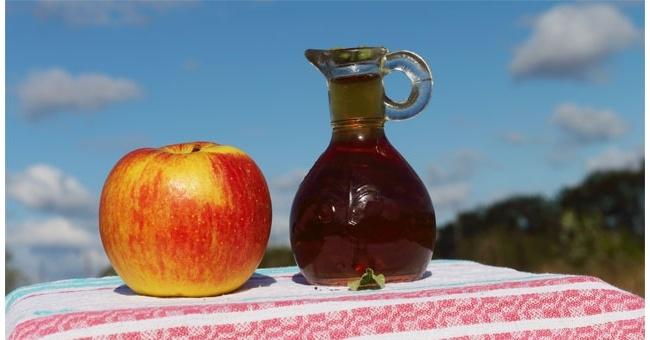 Aceto di mele, 5 proprietà che ci rendono più belle