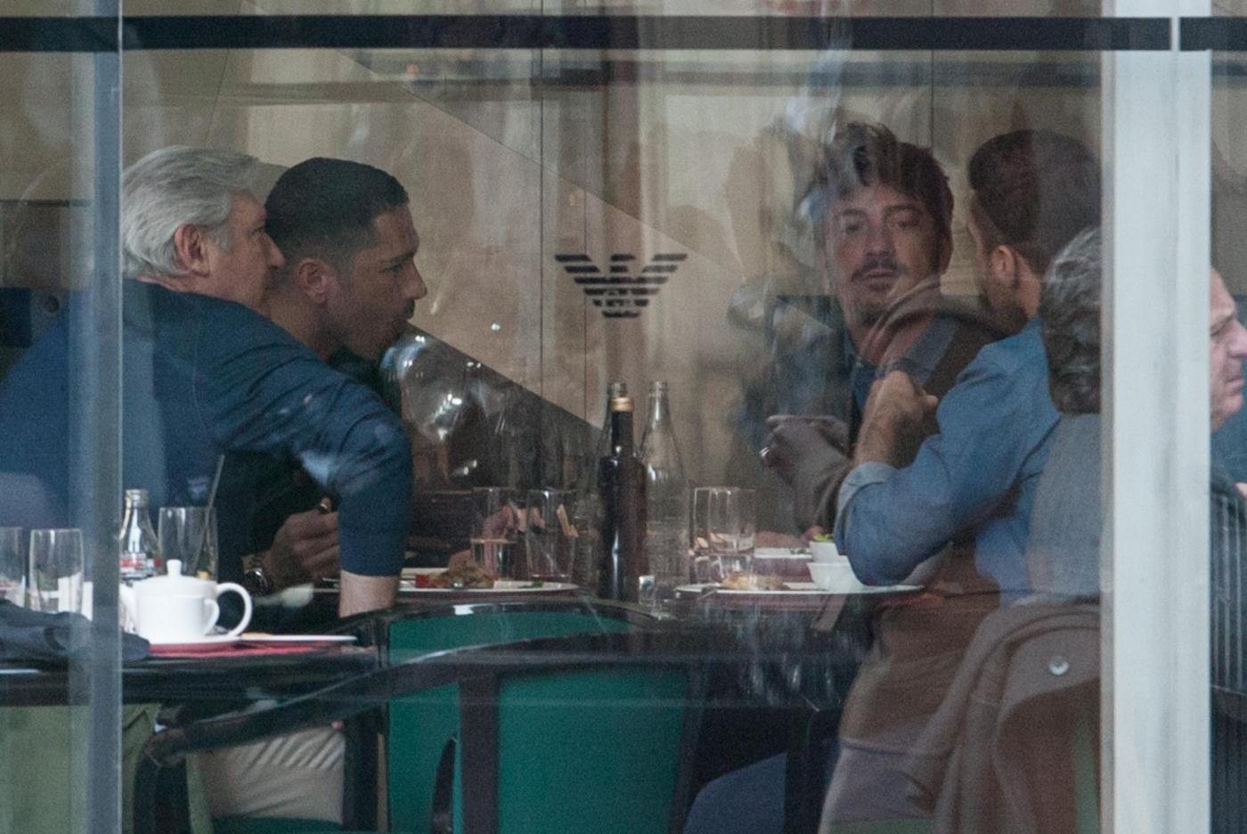 Marco Borriello, ma quale Belen Rodriguez: eccolo al ristorante col fratello 05