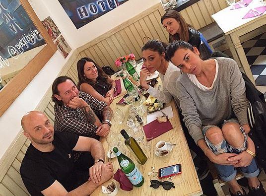 Belen rodriguez pranzo con joe bastianich foto ladyblitz - Ricci casa milano ...