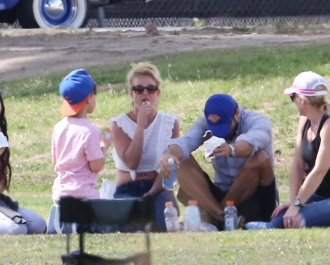 Britney Spears col fidanzato Charlie Ebersol03