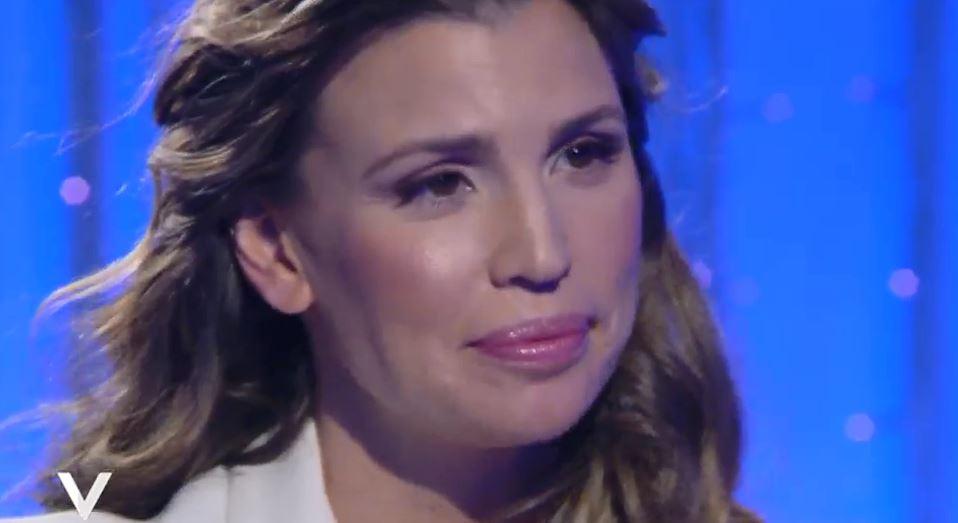 """Claudia Galanti a Verissimo: Indila? """"Non riesco a usare la parola morta"""" VIDEO"""