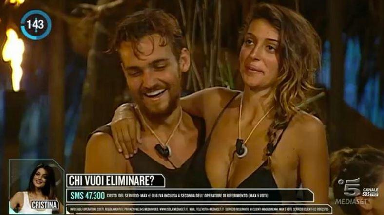 "Isola dei famosi, Cristina Buccino rifiuta Playa Desnuda: ""Sono stanca"""