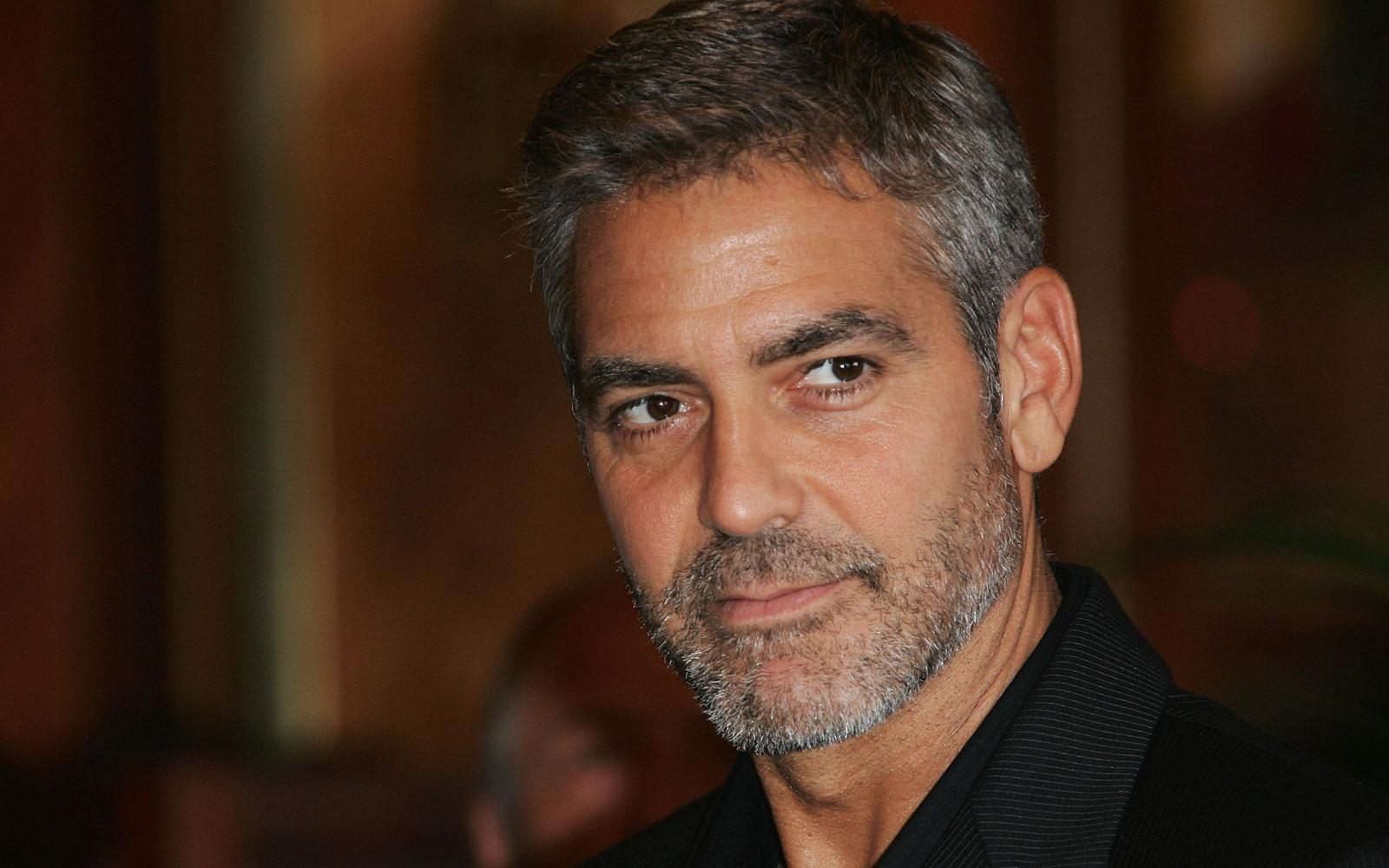 Cindy Crawford torna a casa e trova il marito a letto con George Clooney ma...