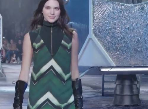 Paris Fashin Week: H&M Studio dal sapore sporty-futurista VIDEO
