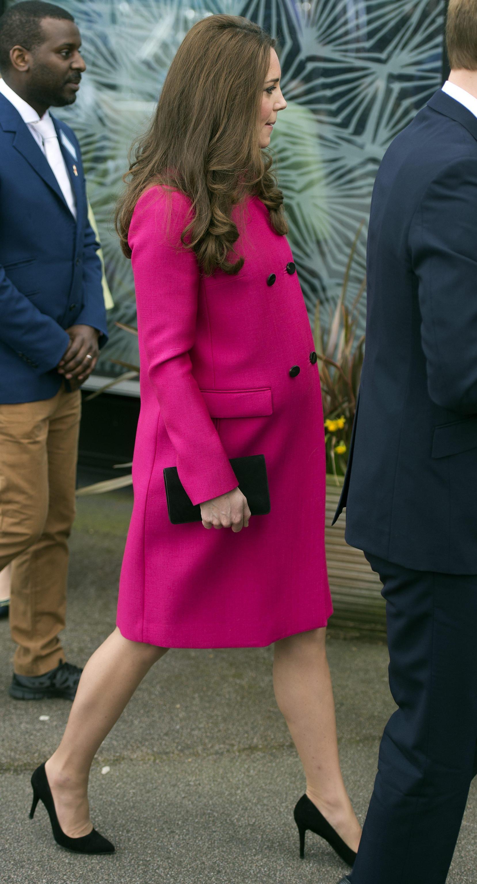Kate Middleton, ultima uscita in rosa prima del parto03