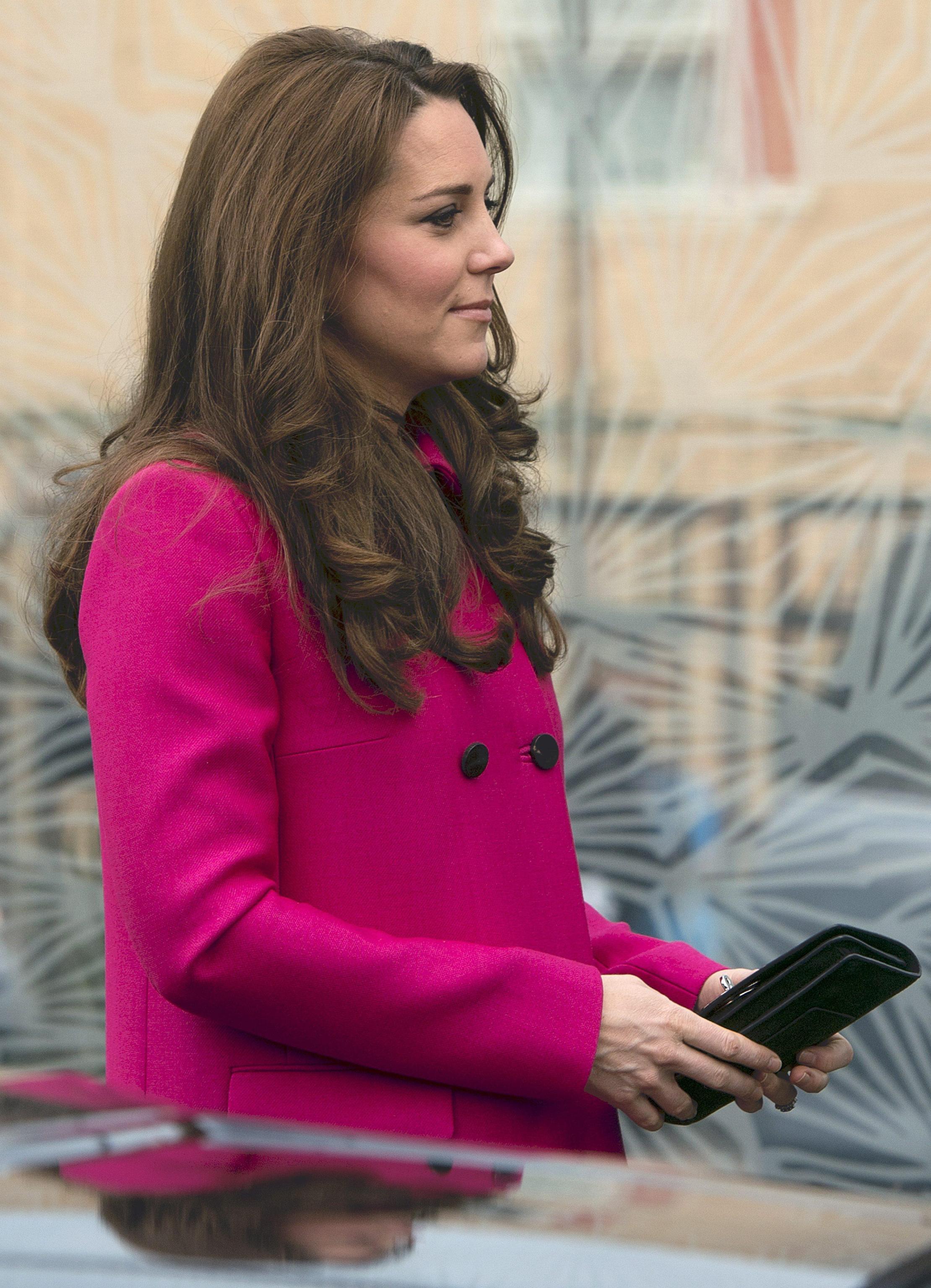 Kate Middleton, ultima uscita in rosa prima del parto