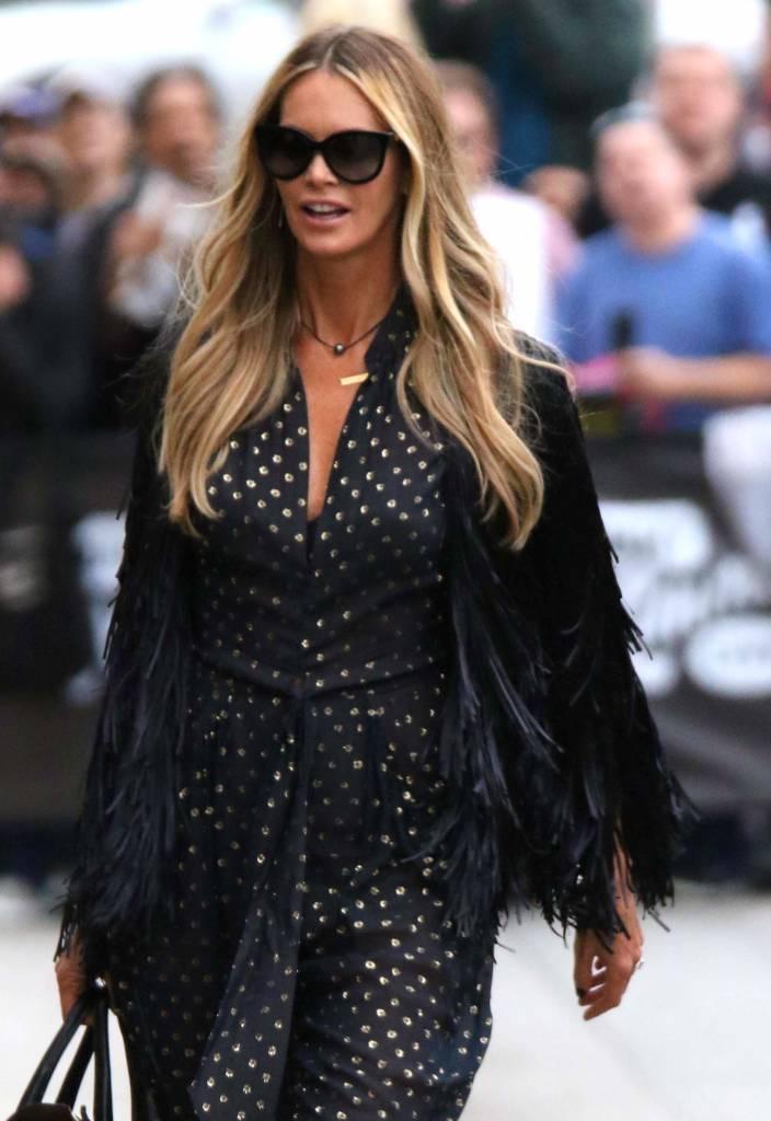 official photos 41a2c 5ce3b Tailleur, décolletées: come vestirsi a 50 anni FOTO   Ladyblitz