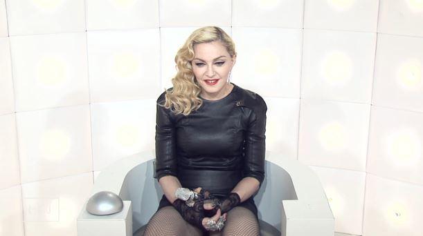 Madonna si masturba in diretta tv. L'ultima provocazione VIDEO