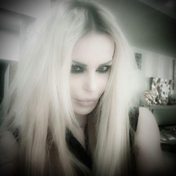 Nina Moric bionda: cambio di look FOTO 8