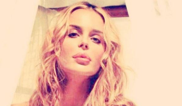Nina Moric bionda: cambio di look FOTO 3