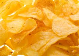 Fritti e junk food, non solo salute: anche la pelle peggiora