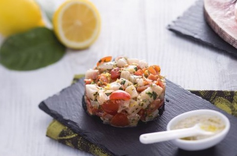 Ricette di pesce: tartare di pesce spada alla mediteranea