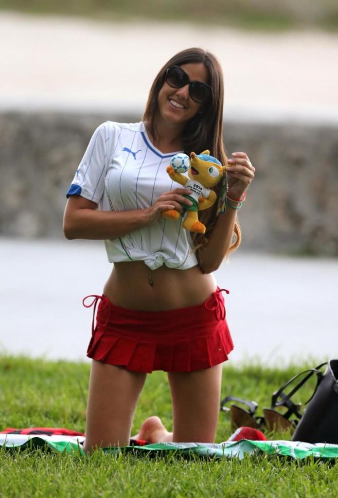 Claudia Romani: foto più belle della modella italiana che ha stregato i social 07