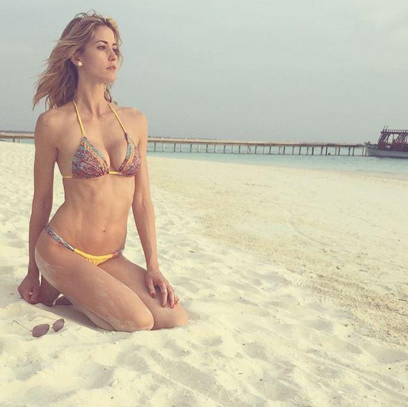 Elena Santarelli come Belen Rodriguez: sirenetta alle Maldive FOTO 8
