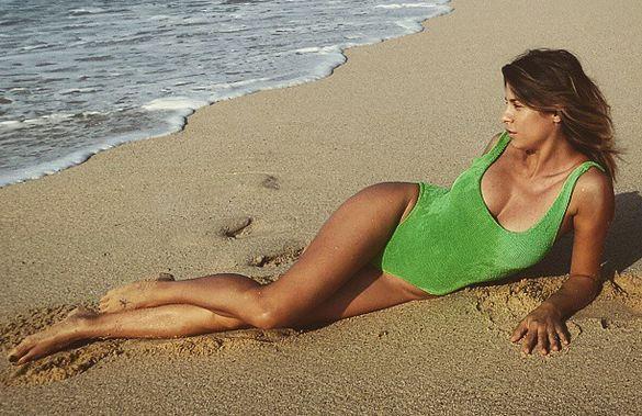 Elisabetta Canalis, Pasqua in spiaggia e FOTO pancino sospetto05