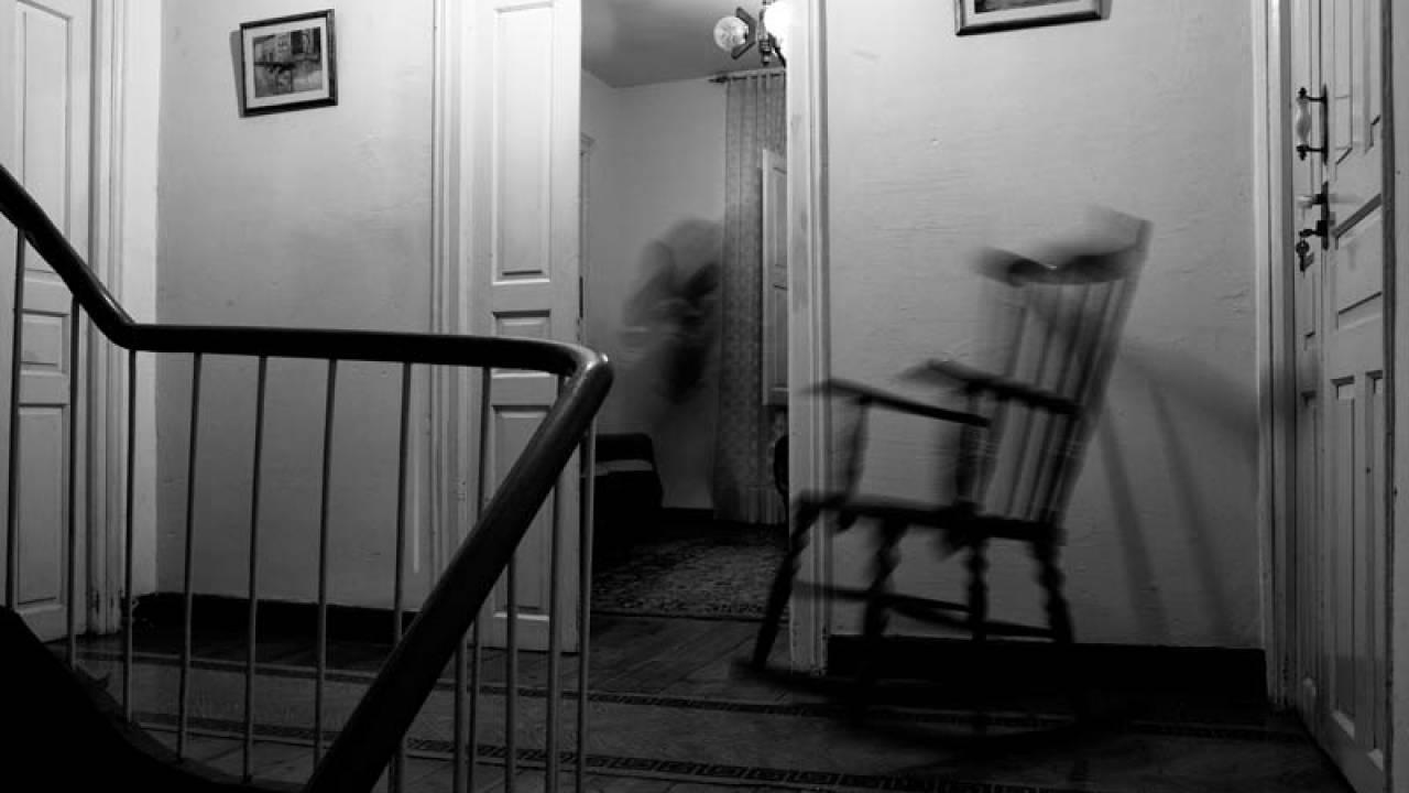 Fantasma Sedia A Dondolo.La Tua Casa E Infestata Dai Fantasmi Ecco Come Capirlo Ladyblitz