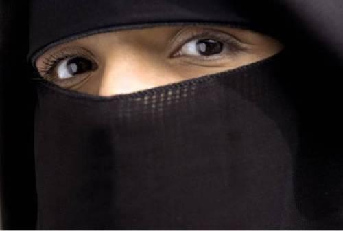 """Donne-Isis, Sophie Kasiki, la storia: """"Il mio viaggio all'inferno"""""""