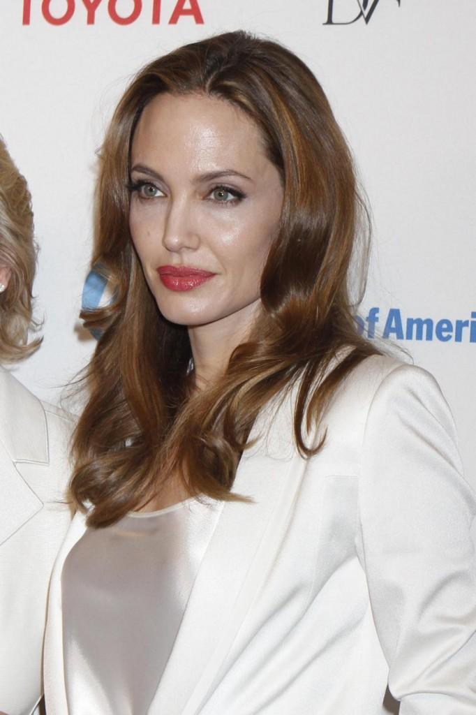 Angelina Jolie fa scuola: farmaci personalizzati in base al Dna