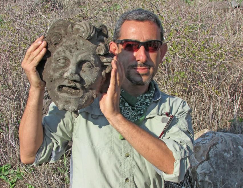 Israele, trovata maschera del dio Pan durante uno scavo FOTO