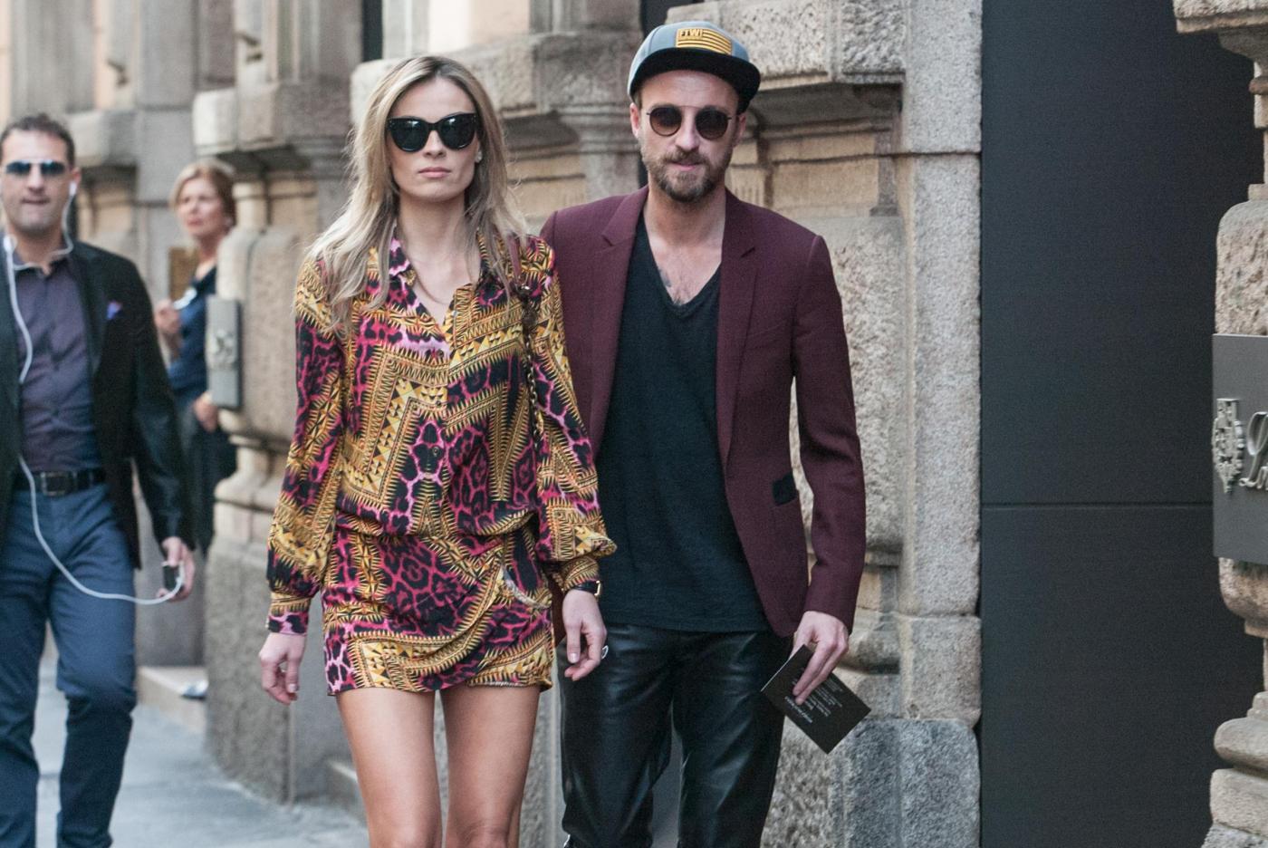 Francesco Facchinetti, shopping a via Montenapoleone con Wilma Faissol08