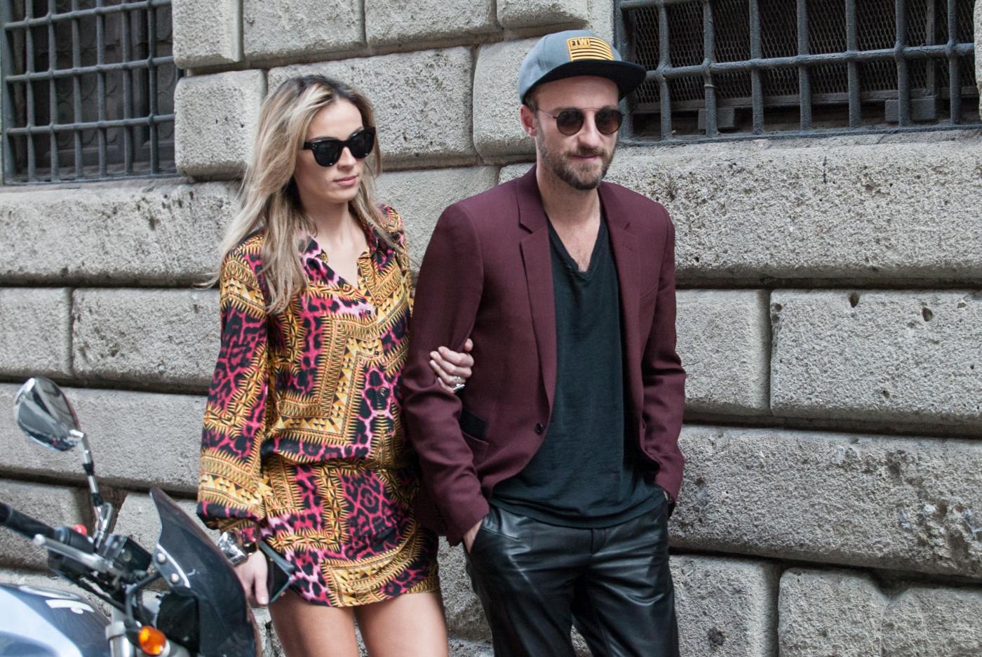 Francesco Facchinetti, shopping a via Montenapoleone con Wilma Faissol04