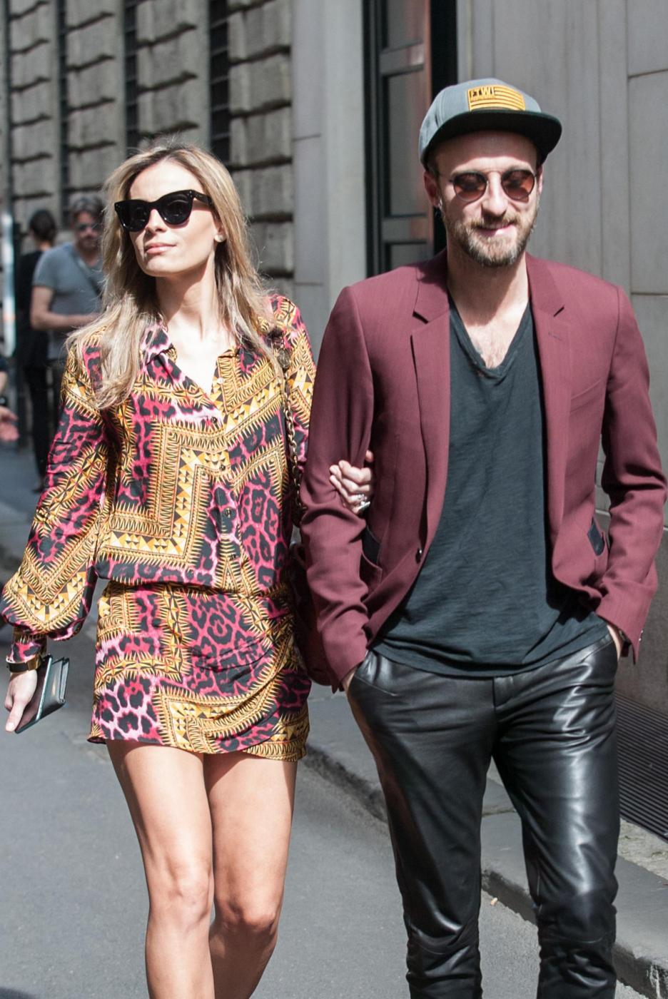 Francesco Facchinetti, shopping a via Montenapoleone con Wilma Faissol02