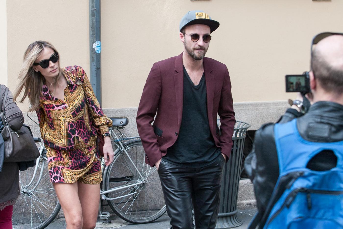 Francesco Facchinetti, shopping a via Montenapoleone con Wilma Faissol18