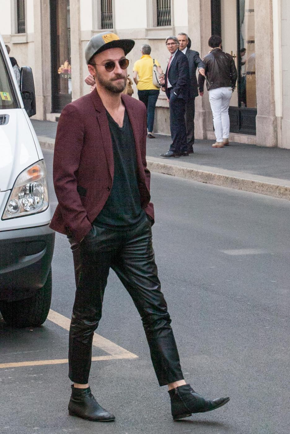 Francesco Facchinetti, shopping a via Montenapoleone con Wilma Faissol14