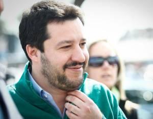 """Matteo Salvini cacciato da Facebook per """"razzismo"""": ecco cosa ha detto"""