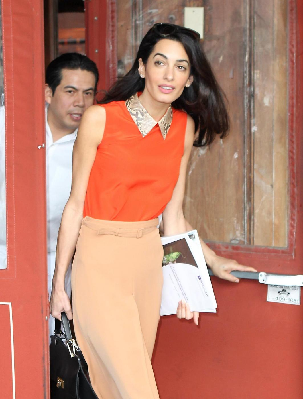 Amal Alamuddin magrissima, lady Clooney quasi scheletrica FOTO