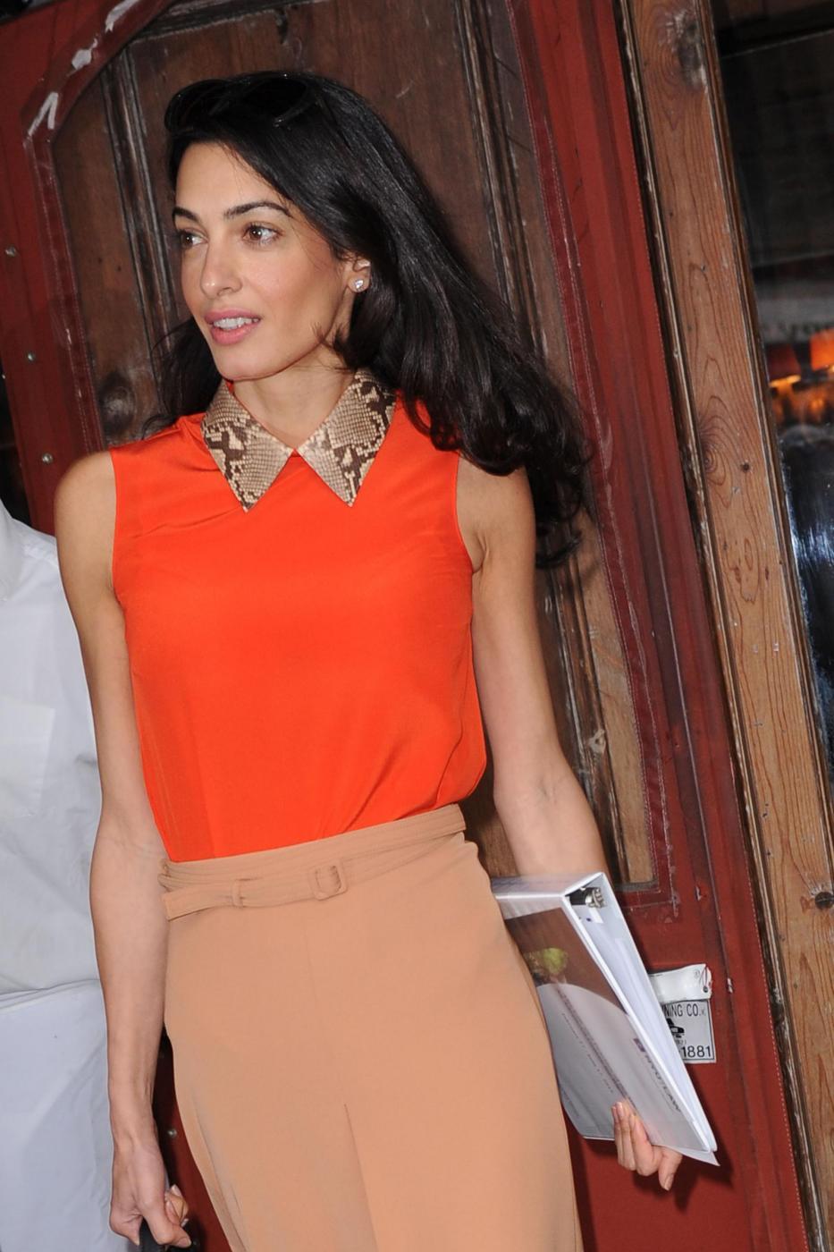 Amal Alamuddin magrissima, lady Clooney quasi scheletrica FOTO 12
