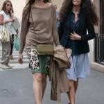 Afef e l'amica con i capelli lisci insieme in via Montenapoleone FOTO