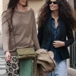 Afef e l'amica con i capelli lisci insieme in via Montenapoleone FOTO110