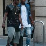 Asamoah e il fratellino calciatore in centro a Milano03